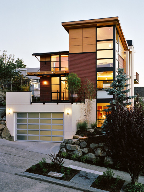 Modern House Facade Design with Brown Path Decreases