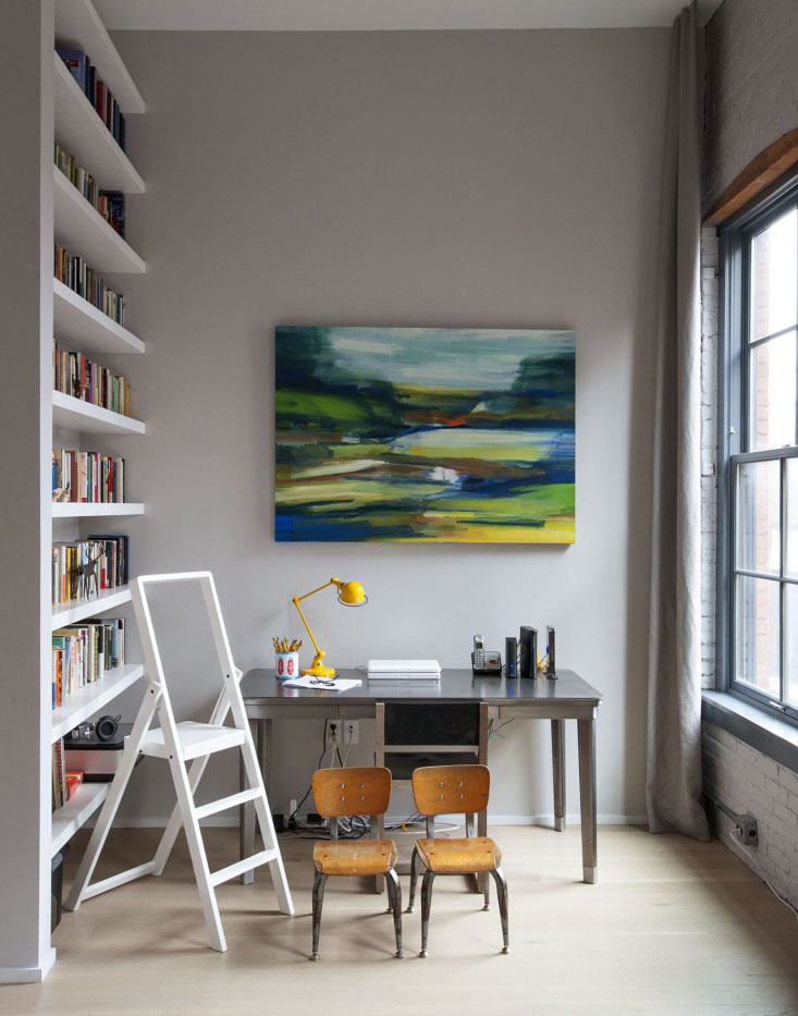 Simple Healthy Home Office Design with Abstract Painting