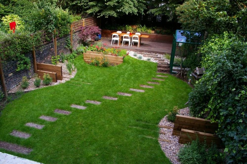 simple small backyard design